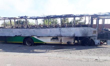 Habana Bus burned in Kinross