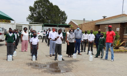 Sadtu donates masks and sanitizers to schools