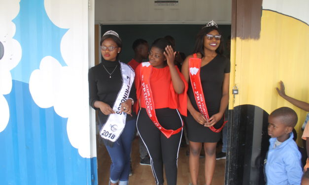 Young models lend a helping hand to the needy