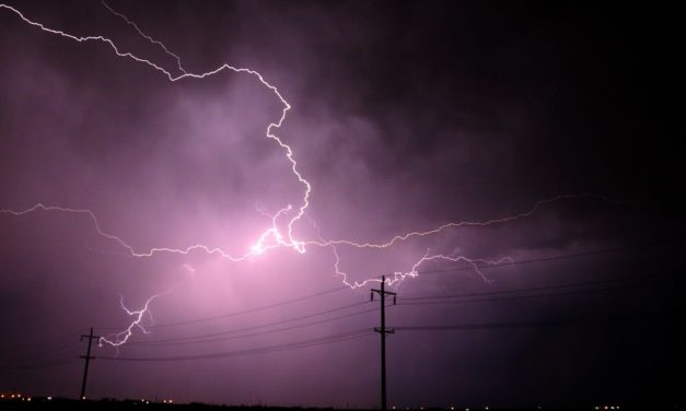 Man struck by lightning while looking for shelter